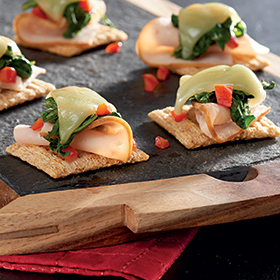 TRISCUIT Kale & Smoked Turkey Topper